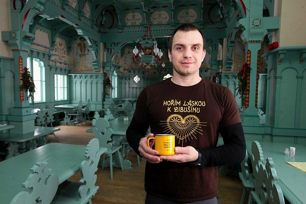 Jakub Nykl je vedoucím týmu, který zajišťuje provoz Libušína na Pustevnách.
