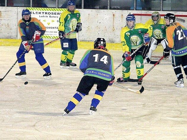 Hokejistky Vsetína v tradičních zelených dresech