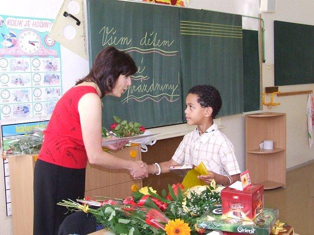 Školáci převzali vysvědčení