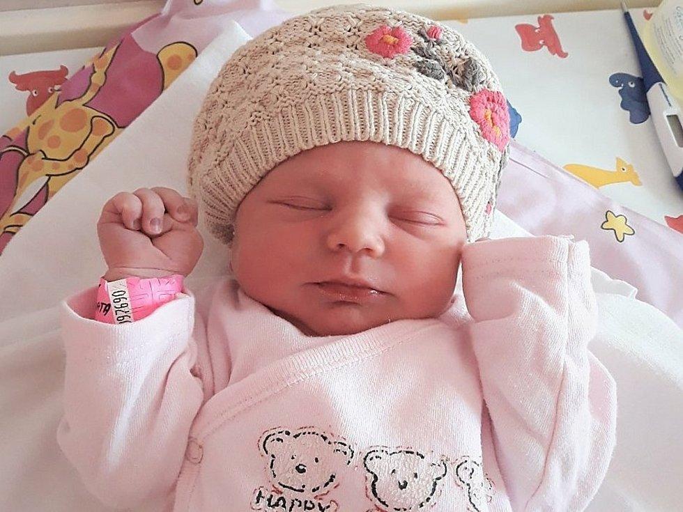Natálie Kubínová, Zašová, narozena 24. června ve Valašském Meziříčí, míra 48 cm, váha 3150 g