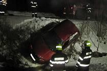Při nehodě u Zděchova zemřel řidič Fabie
