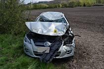 Při dopravní nehodě u Kelče se v pondělí 24. dubna 2017 lehce zranily tři mladé dívky.