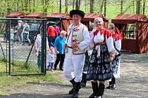 Desátý ročník Luženského jarmarku se uskutečnil v sobotu 6. května 2017 v okolí areálu tanečního kola v Lužné. Kromě stánků s tradičními rukodělnými výrobky připravili pořadatelé z obecního úřadu bohatý doprovodný a hudební program.
