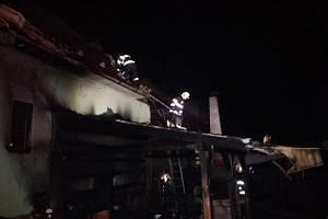 Požár sauny, pergoly a rodinného domu v Mikulůvce 3. 1. 2020