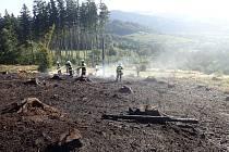 Lesní požár v Jablůnce se znovu rozhořel
