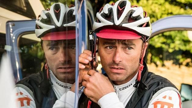 Rožnovský cyklista Svaťa Božák na 2 200 kilometrů dlouhém ultramaratonu kolem Rakouska.