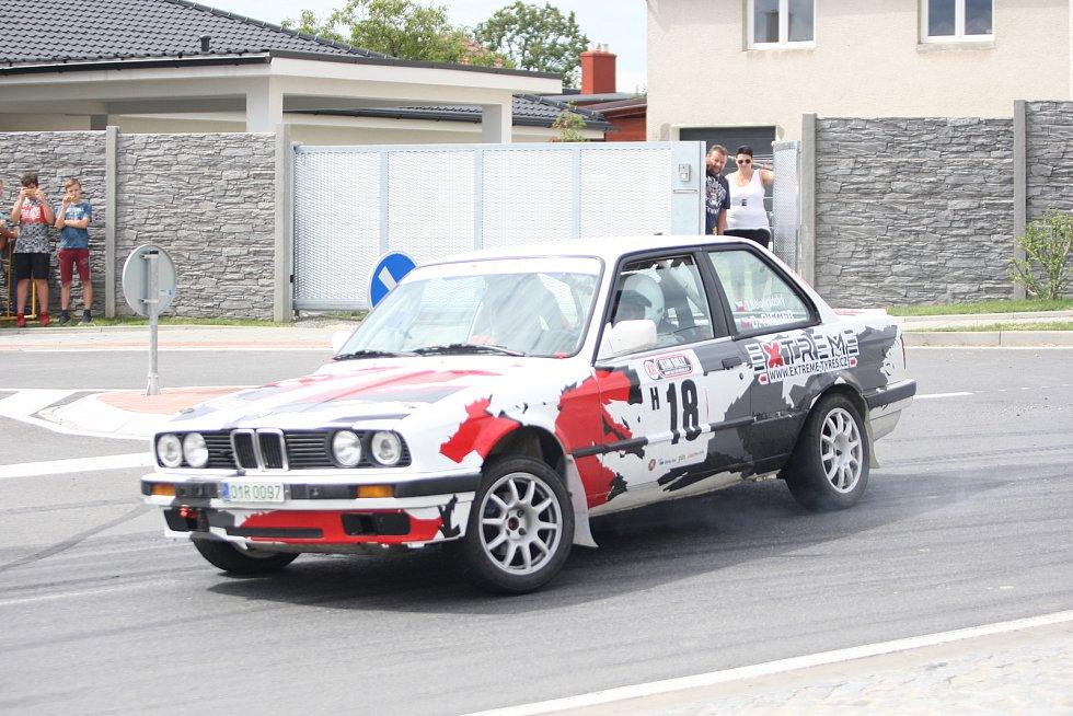 Rallye veteránů. Ilustrační foto