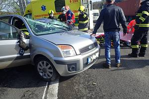 Dopravní nehoda dvou osobních vozidel u obce Ústí na Vsetínsku