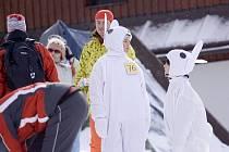 Ve Velkých Karlovicích se v sobotu uskutečnila tradiční Maškarní lyžovačka