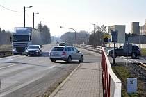 Křižovatkou projedou tisíce aut za den. Po úpravách bude přehlednější a bezpečnější.