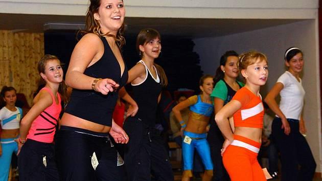 V Karolince si soutěžící z celé ČR užívali fitness cvičení