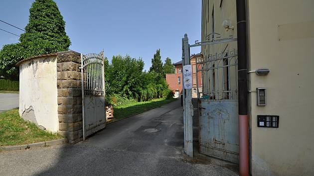 Zašová - vstup do areálu bývalého zašovského kláštera