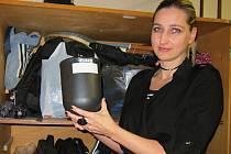 Markéta Šubrtová má na vsetínské radnici na starosti evidenci ztrát a nálezů. Jednou z kuriozit, které jí v roce 2016 přibyly v evidenci, byla také urna.