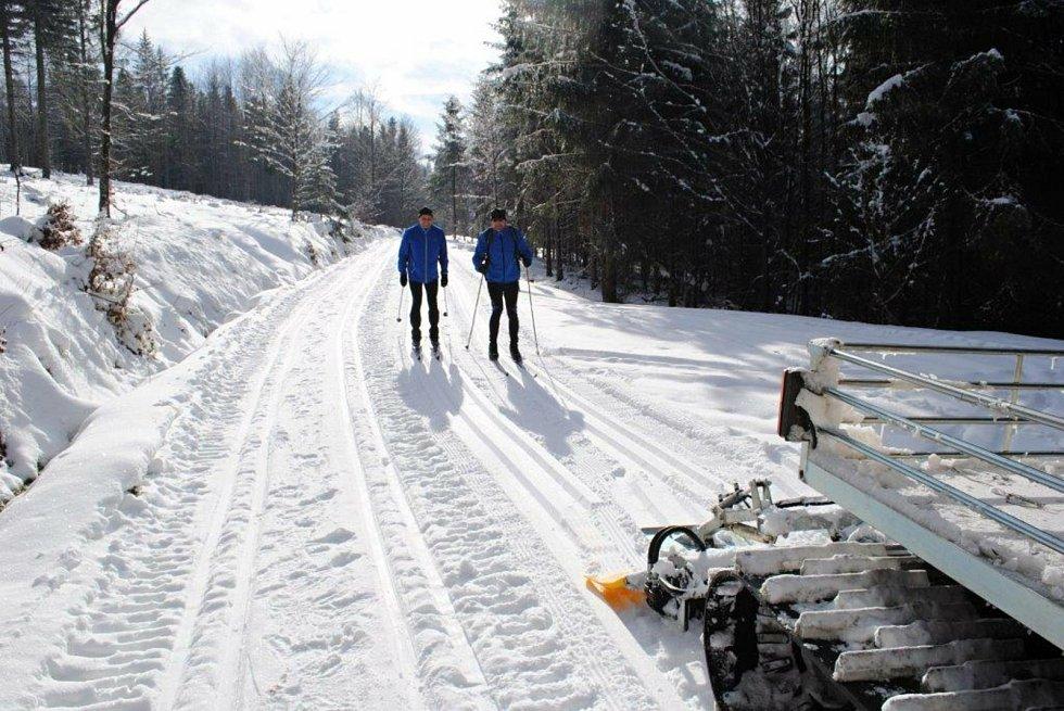 Běžkaři na Beskydské magistrále.