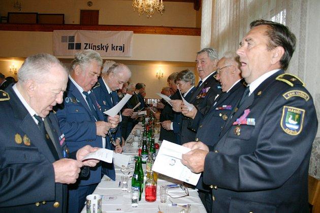 Na začátku setkání  zazpívali valašskou hymnu.