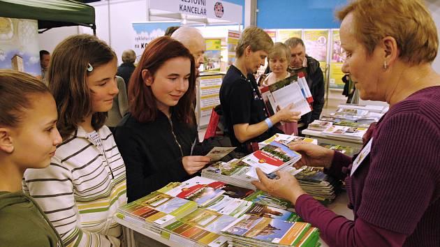Návštěvníci u valašského prezentačního stánku na veletrhu Dovolená v Ostravě, pátek 1. března 2019