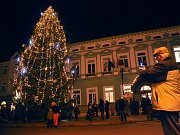 Vánoční strom v Rožnově pod Radhoštěm. Ilustrační foto.