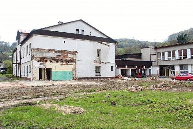 Bývalý areál domova pro seniory v Podlesí.