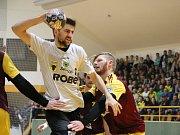 Házenkáři Zubří v 15. kole extraligy porazili mistrovský tým pražské Dukly 29:28, přestože v zápase prohrávali už o sedm branek! Foto: Ondřej Grůza.