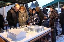 Obyvatelé Horní Lidče se v sobotu odpoledne sešli u místního betlému na adventním setkání.