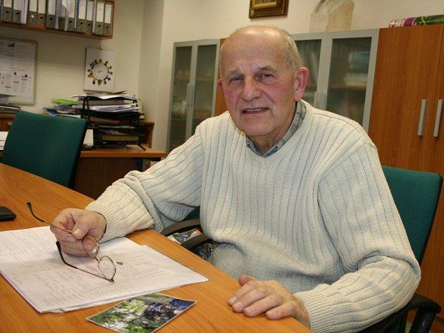 Cenu města Vsetín za rok 2012 získá vsetínský pedagog Milan Drlík.