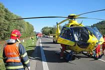 Pro těžce zraněného letěl do Zubří vrtulník
