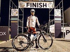 Svaťa Božák, rožnovský ultramaratonský cyklista, dokončil v noci na 31. září 2018 jako první Čech v historii další z náročných závodů. Race Around Ireland – Závod kolem Irska urazil za 4 dny, 10hodin a 36 minut a to na druhém místě v královské kategorii S