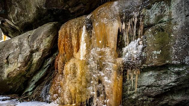 Pulčínské barevné ledopády