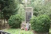 Památník nacistickým obětem Březina nedaleko Lačnova na Vsetínsku.