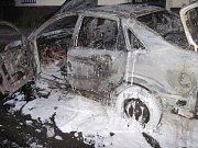 Oheň zničil v Ford Focus na cestě přes Lešnou