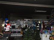 Požár v prodejně smíšeného zboží ve Velkých Karlovicích; pondělí 21. listopadu 2016