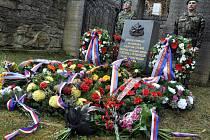 Pietní akt u příležitosti 70. výročí vypálení Juříčkova mlýna v Leskovci na Hornolidečsku konaný 17. dubna 2015.