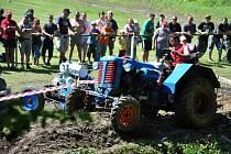 Ve Valašské Senice se v sobotu 16. června 2012 uskuteční III. ročník srazu historických traktorů