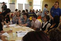 Nejvíce lidí přišlo ke stolu zabývajícímu se problémy oblasti zdravotnictví a sociálních služeb.