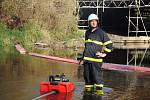 Sedm jednotek hasičů mělo v sobotu 26. října 2019 společné cvičení v Hrachovci. Námětem byl požár uskladněného dřeva.