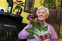 Vlastimila Češková z Jarcové na Vsetínsku se v pátek 2. března 2012 dožívá 107 let.
