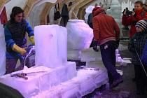 Mezinárodní sochařské sympozium Sněhové království v areálu Sport campu v Rožnově pod Radhoštěm
