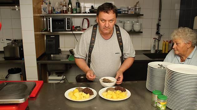 Šéfkuchař restaurace U Berty ve Vsetíně Zděněk Šťastný