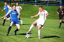 Do třetího kola Tip ligy byl zařazen i zápas krajského přeboru Vigantice (tmavší dresy) – Dolní Němčí. Většina tipujících měla sice danou jedničku, ale zápas skončil 1:2.
