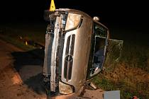 Šestačtyřicetiletý řidič vozu Opel z Rožnovska nezvládl v sobotu 19. května 2018 u Stříteže nad Bečvou řízení a skončil na boku v příkopu. Po nehodě nadýchal 2,34 promile alkoholu.