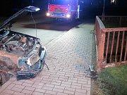 Noční havárii v Halenkově odnesli tři zranění
