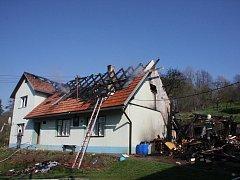 Požár hospodářského stavení u rodinného domu v obci Branky