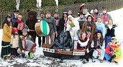 Na masopustní průvod vyrazily o víkendu 10. února 2018 také masky v čele s medvědem ve Valašské Polance. Protože je dědina veliká, rozdělili se účastníci masopustního veselí do dvou skupin. Všude je obyvatelé vítali s otevřenou náručí.