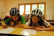Děti z dětských domovů z celého Zlínského kraje soutěží v sobotu 5. května 2018 na 12. ročníku dopravní soutěže na dopravním hřišti ve Valašském Meziříčí.