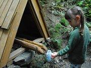 Slavnostní otevírání obnovené Černé studánky v Podhájí u Valašského Meziříčí