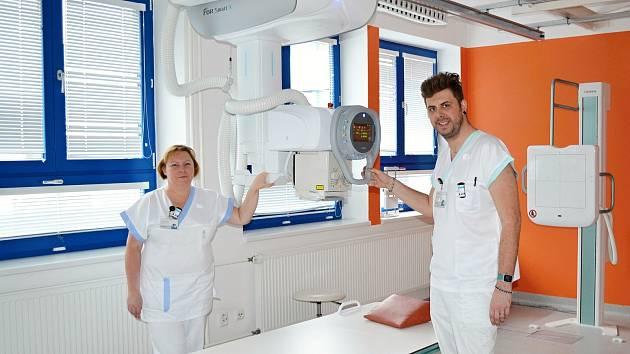 Na radiodiagnostickém oddělení Nemocnice Valašské Meziříčí využívají nový skiagrafický přístroj za 2,2 milionu korun; leden 2020