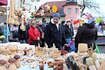 Tradičním Kateřinským jarmarkem ožila v sobotu 25. listopadu 2017 vesnice Hovězí na Horním Vsacku. Na návštěvníky čekaly prodejní stánky s jarmarečním zbožím, bohaté občerstvení, hudební doprovod, ale také soutěž v pojídání jitrnic nebo výstava zvonků Zaz