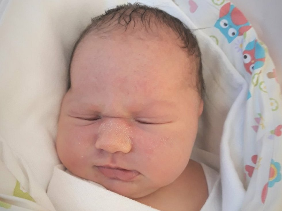 Lenka Škařupová, Choryně, narozena 8. dubna 2021 ve Valašském Meziříčí, míra 52 cm, váha 3760 g