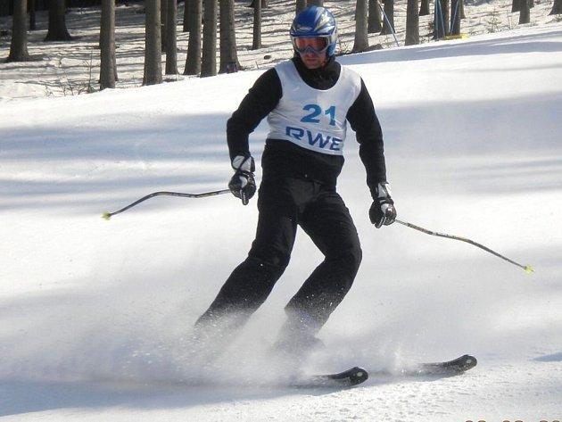Sportovní reality show České televize Se čtyřkou na vrchol dorazila do Bílé v Beskydech.