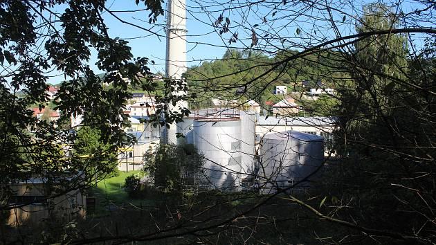 Na tomto místě, ve výtopně v Luhu měla vyrůst spalovna. Zastupitelé stavbu po nátlaku veřejnosti neschválili na zasedání v říjnu 2019.